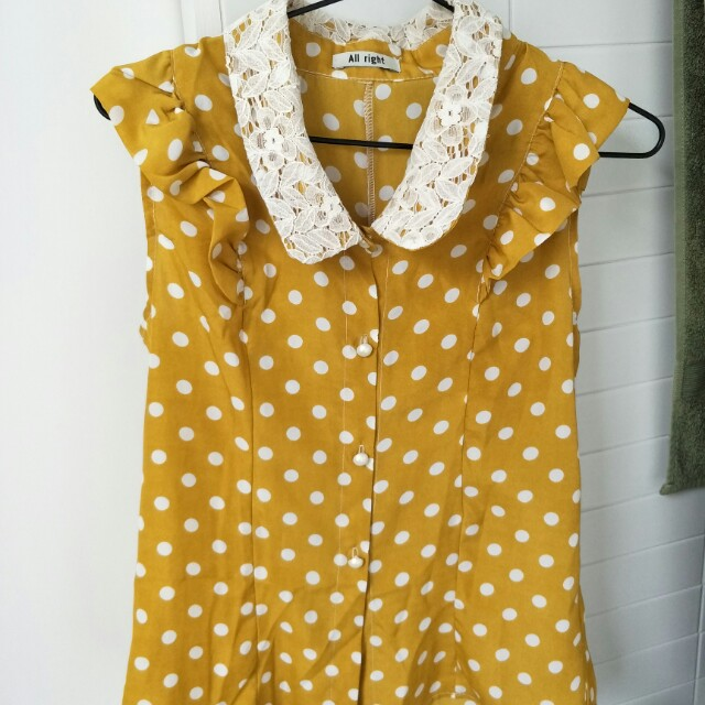 Mustard polka dot top S