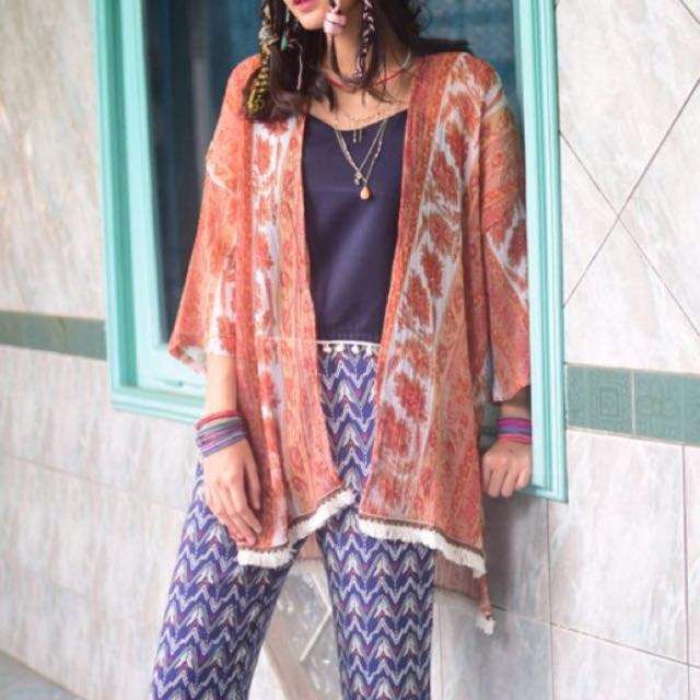 Outer boho loony store
