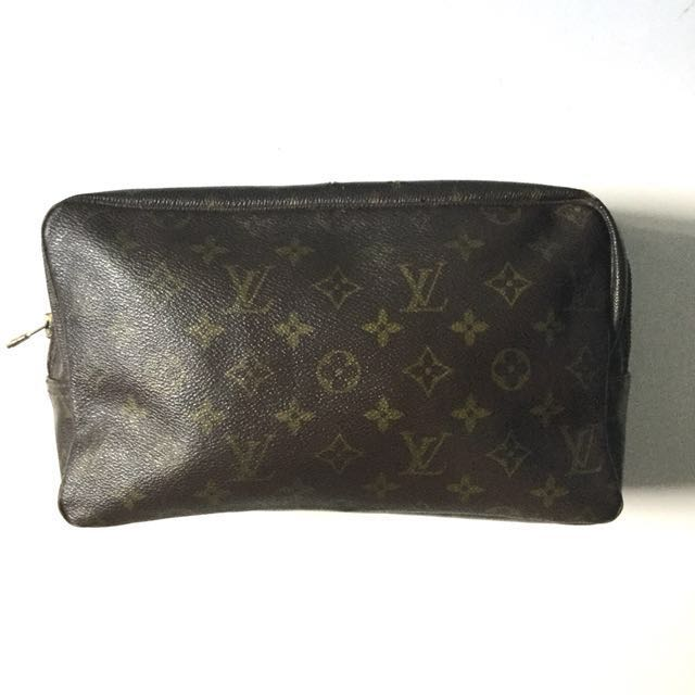 PLOVED: Vintage Louis Vuitton Toiletry 28 Bag