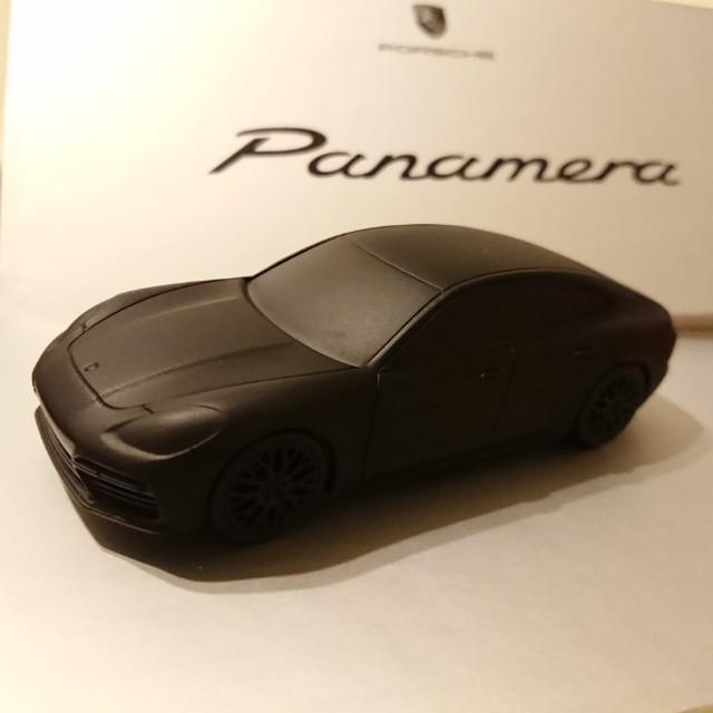 Porsche Panamera 保時捷 原廠 模型車 紙鎮