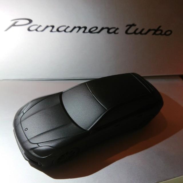 Porsche Panamera turbo 保時捷 原廠紙鎮