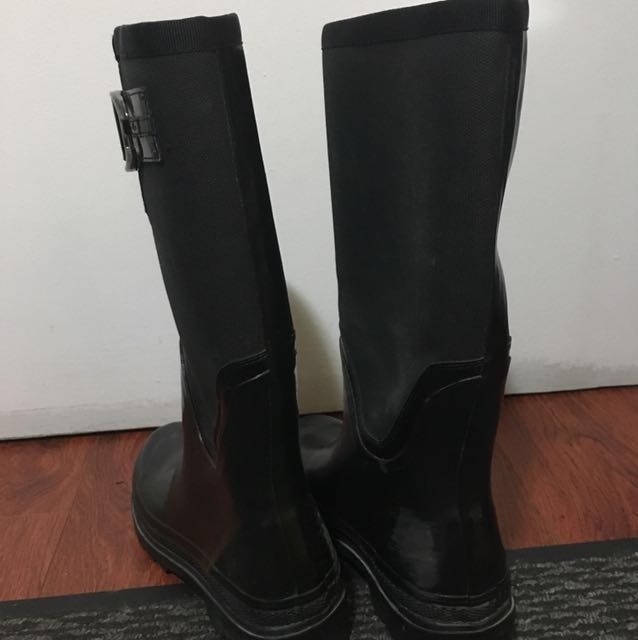 Price reduced! Rain boots size8