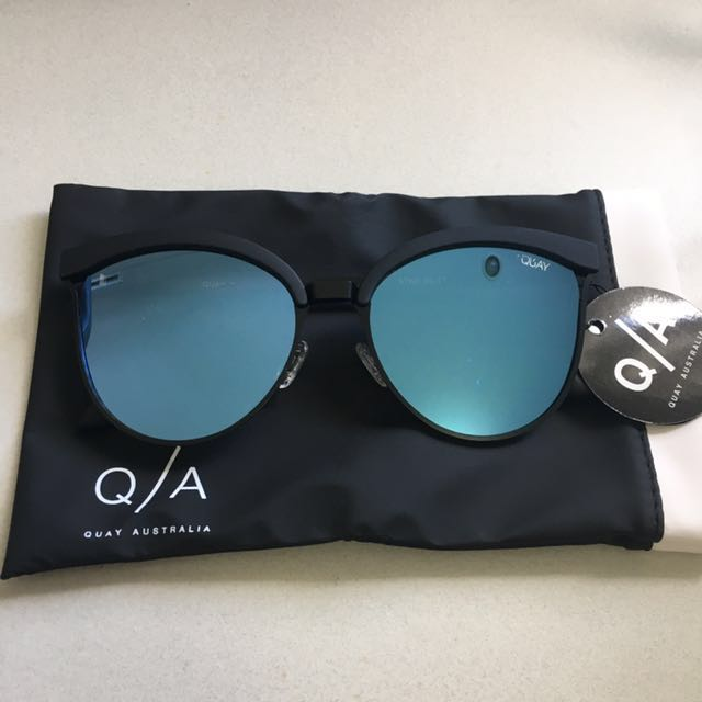 Quay Australia Star Dust Sunglasses Black/Blue