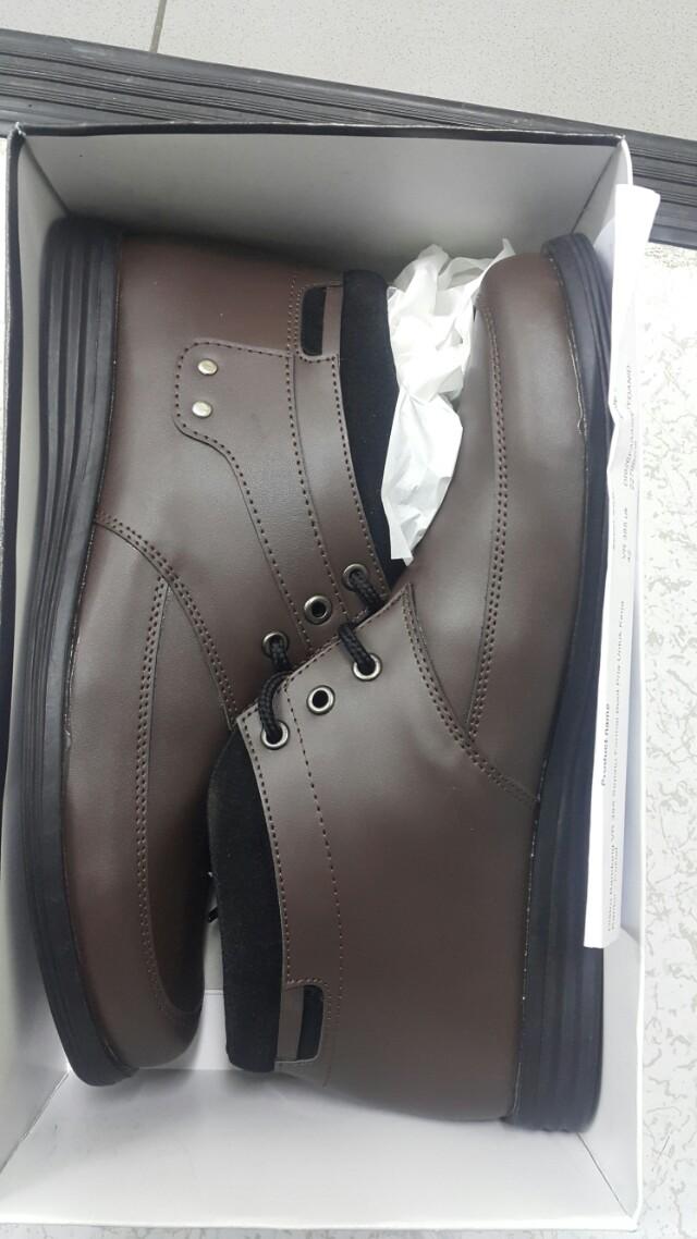 Sepati casual brown