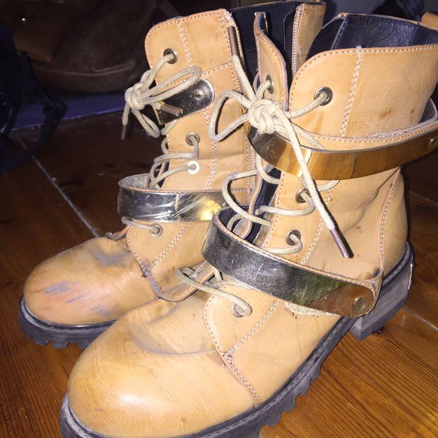 Shoe Republic LA boots