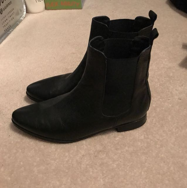 Townshoe boots - size 8