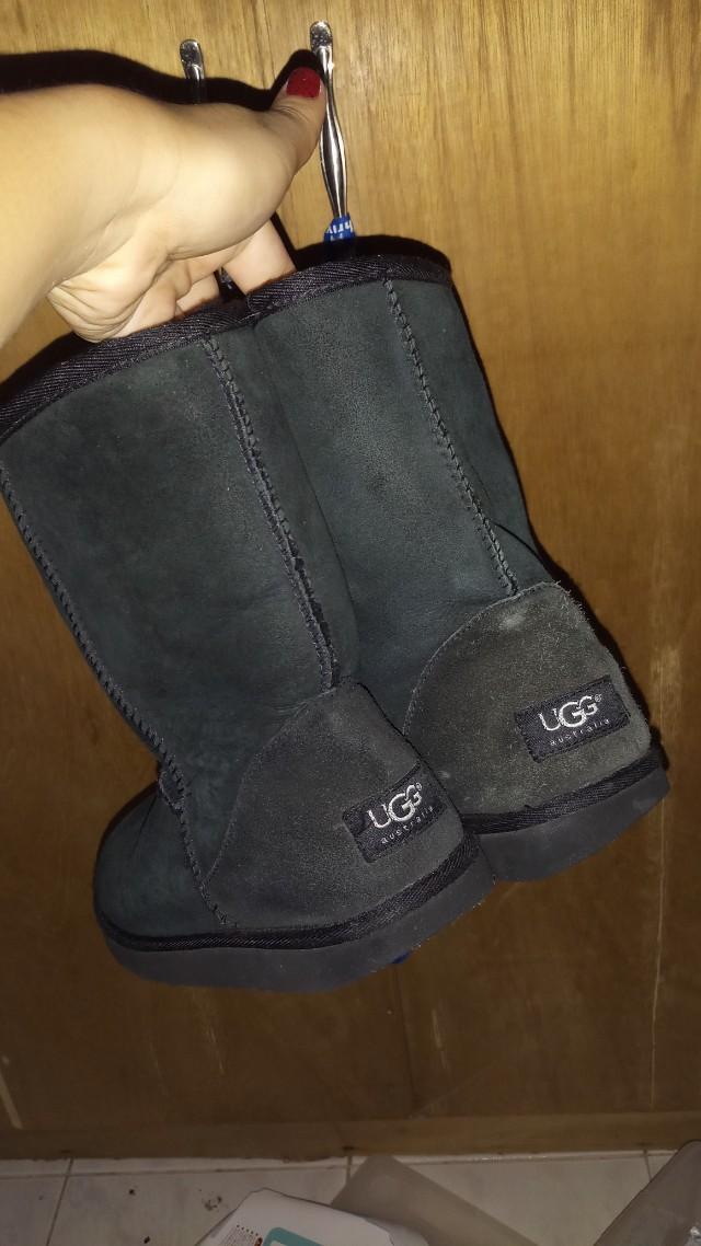 UGG Boots (black)