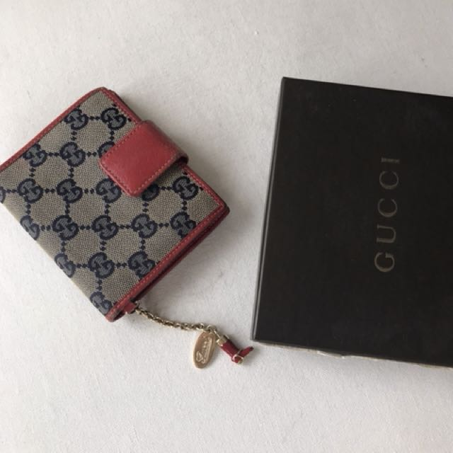 Very good cood conditio Authentic Gucci Wallet with box