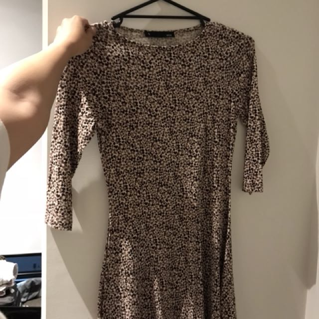 voir leopard dress