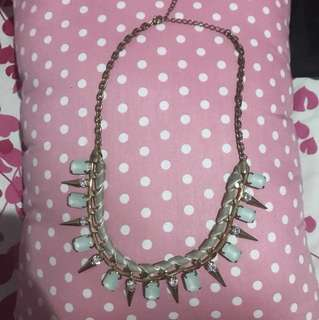 Stud Green Necklace