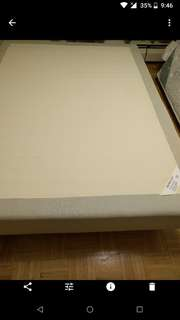 Queen box spring from ikea