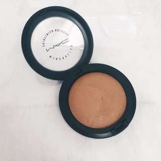MAC Mineralize Skinfinish Bronzer in Dark
