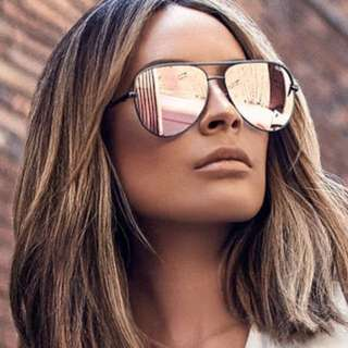 Quay desi high key sunglasses in rose gold
