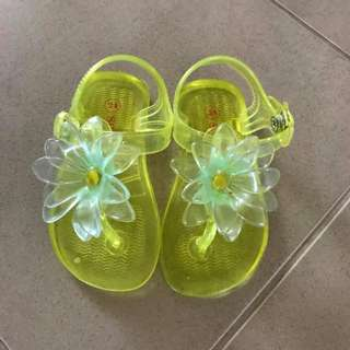 Vgc Seed Jelly Flower Sandals size 24