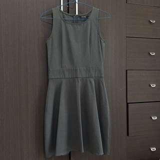 'PICNIC' Gray Midi Dress