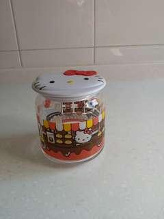全新  7仔   HeIlo Kitty  玻璃樽  (有盒)