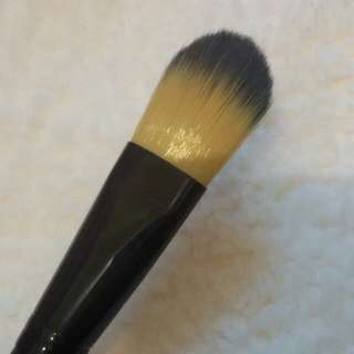 Foundation brush makeup for you