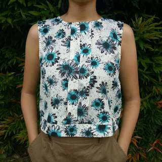 floral sleeveless top - fit to M IDR 20K
