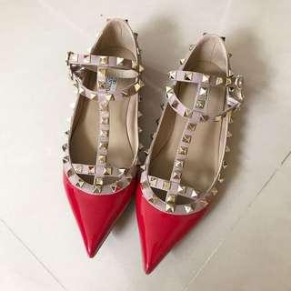 紅色卯釘尖頭平底鞋39