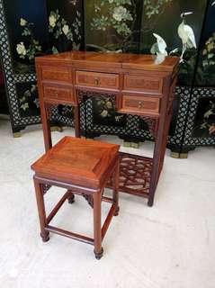 酸枝鑲癭木梳妝檯凳一套