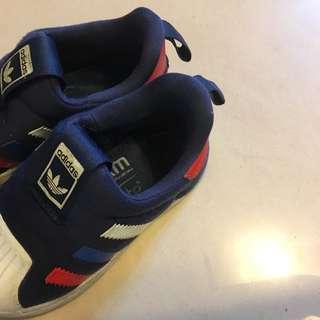 Adidas男童鞋雙胞胎小朋友的鞋