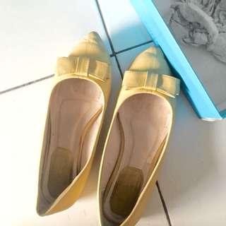 Flatshoes pita kuning