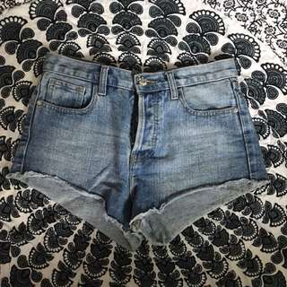 F21 High waisted booty shorts