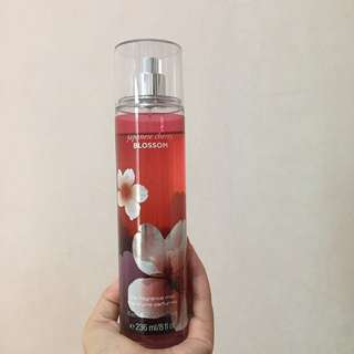 Bath & Body Works Japanese Cherry Blossom Perfume 95%