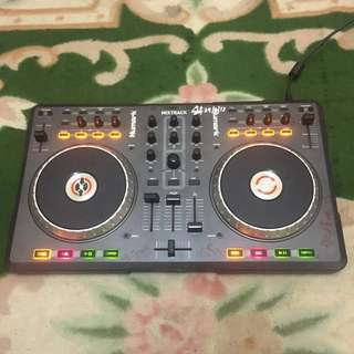 Numark Mixtrack with software