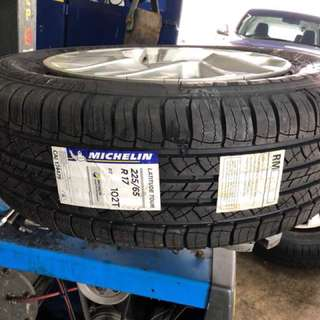 225/65/17 Latitude Tour Michelin Tyre