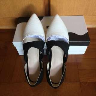 女裝尖頭平底鞋
