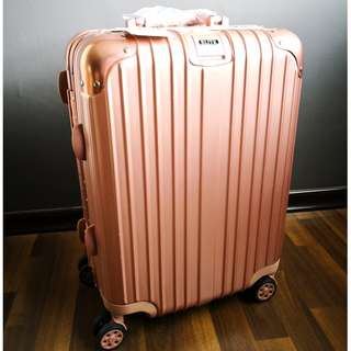 (Pending) BNIB Blitz 20 inch Aluminium & ABS luggage bag (Rose Gold)
