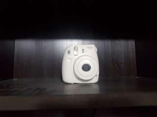 Polaroid camera instax 8
