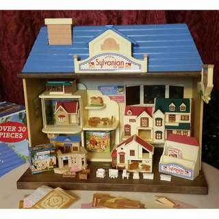 SYLVANIAN FAMILIES TOY SHOP Pre-loved with BOX