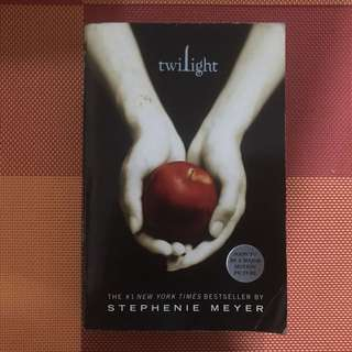 Twilight novels (without Breaking Dawn)