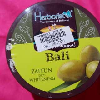 Herborist Zaitun Whitening Scrub