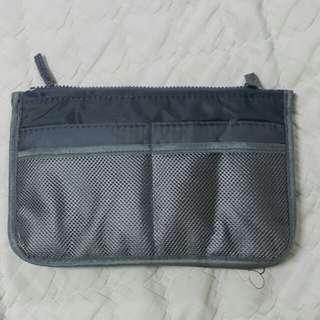 🚚 灰色盥洗包(多夾層,可加寬)