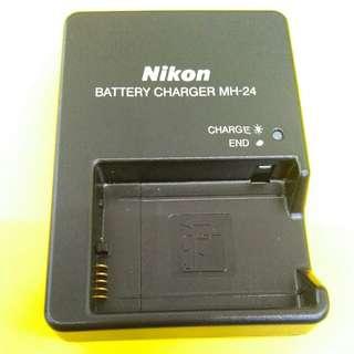 Nikon MH24 Charger