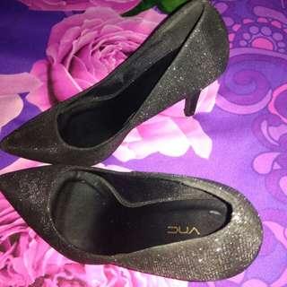 Sepatu black vnc size 4 ( 35 )