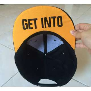 Snapback : Get Out Get Into