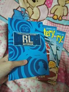 Special Christmas Edition*(2017) Mr Mystery SE6, The Mystery Of The Christmas Cruise and 2 free thin notebooks😊