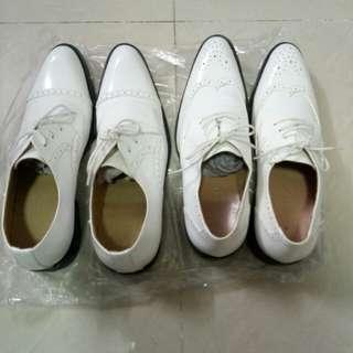 白色皮鞋(size 44碼)2對包郵費