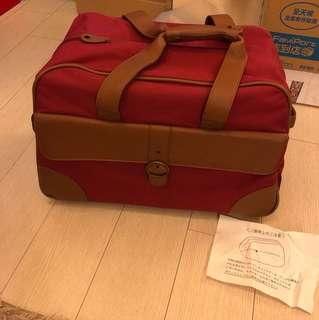 兩輪可拉行李箱