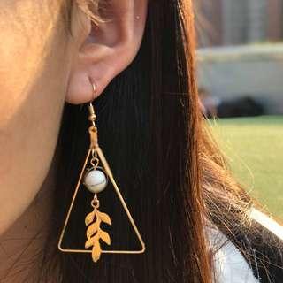 🌿三角雲石樹葉耳環