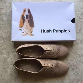 Hush puppies flats