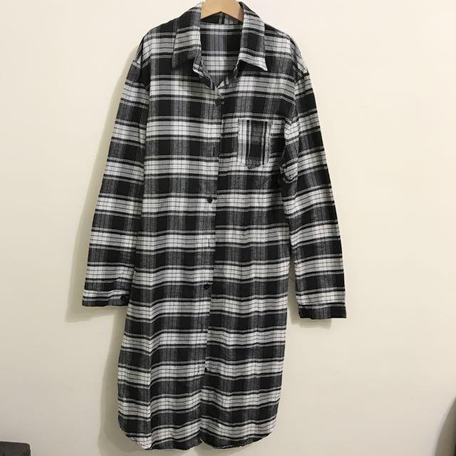 黑白格紋長版襯衫
