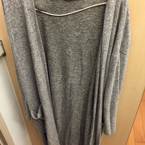 長版灰罩衫