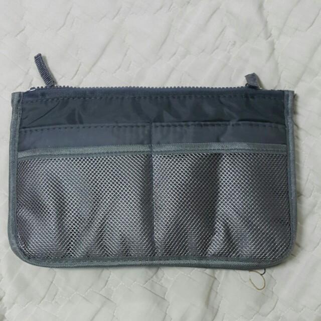灰色盥洗包(多夾層,可加寬)