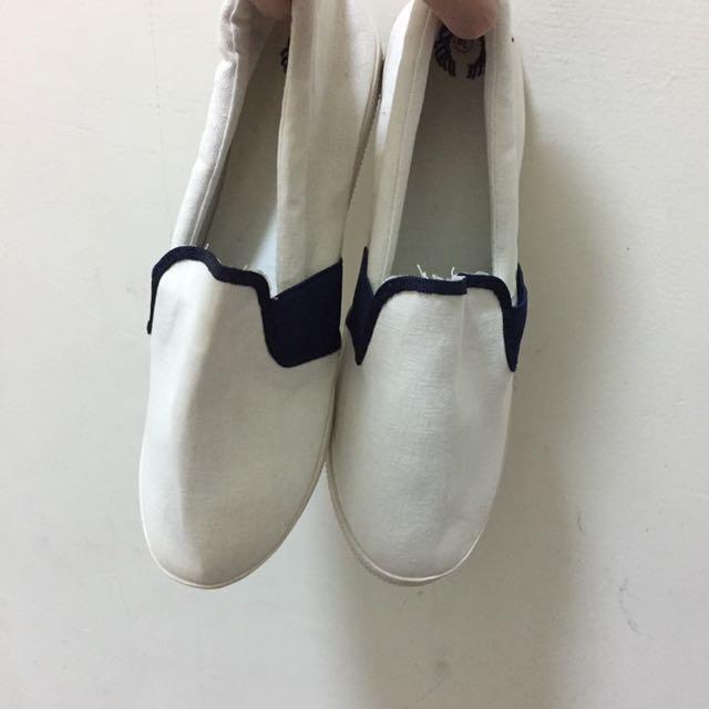 🤡(💁🏼 二手の 鞋子👟💁🏼)平底百搭休閒鞋