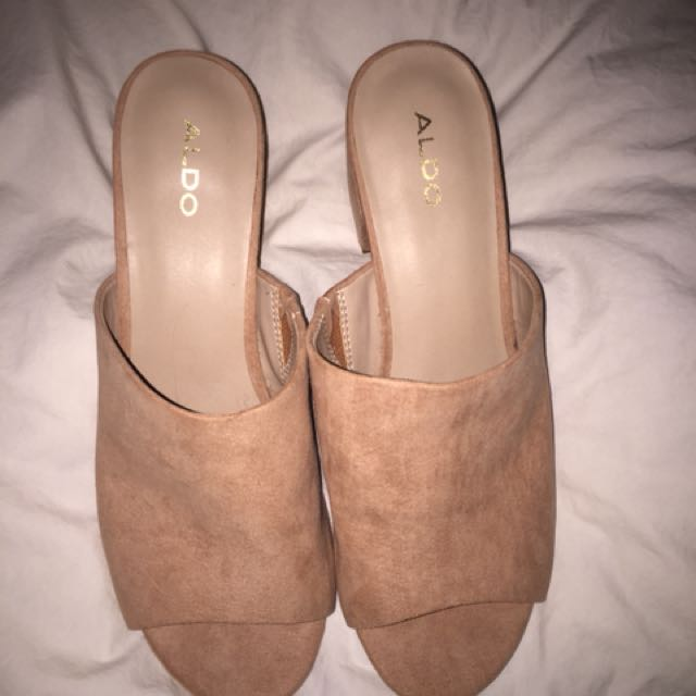 Aldo slip on sandals - size 8